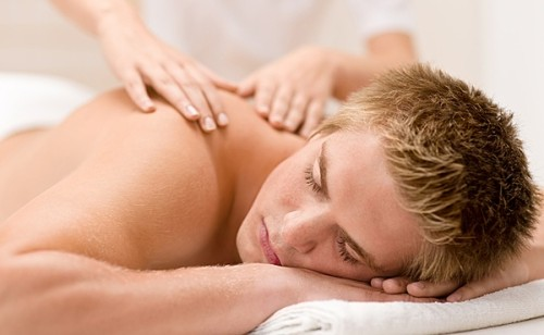 Massage with a hernia of the spine