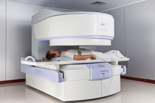 diagnostics sequestered hernia using magnetic resonance imaging