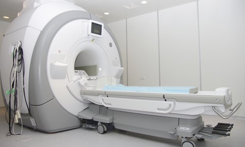 MRI for diagnosis of myasthenia gravis