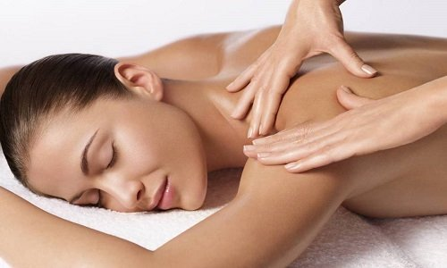 visiting a massage therapist for treatment of headaches